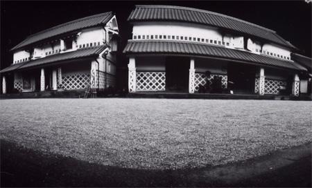 柏屋中庭.jpg