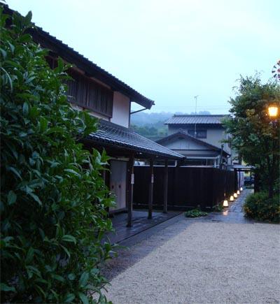 06_03一祥庵入口.jpg